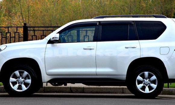 Buy Used Toyota Land Cruiser Prado White Car in Almaty in Almati