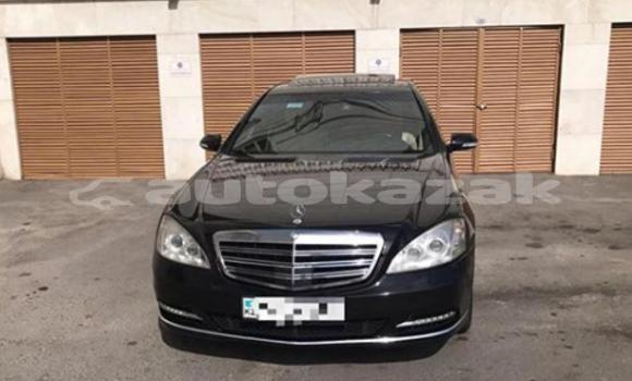 Buy Used Mercedes‒Benz E–Class Black Car in Astana in Akmola