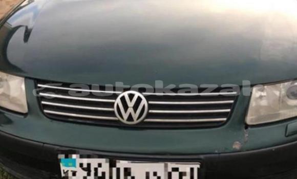 Buy Used Volkswagen Passat Green Car in Astana in Akmola