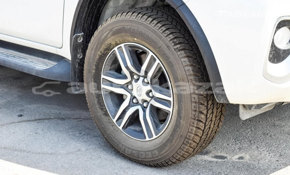 Buy Import Toyota Fortuner White Car in Import - Dubai in Akmecet