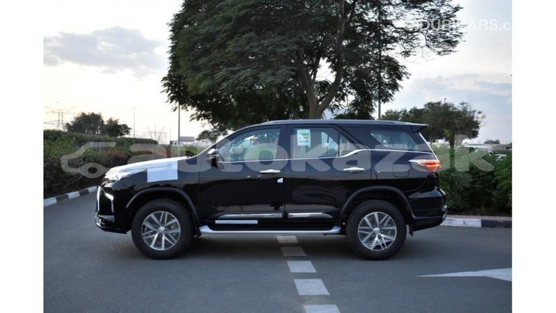 Big with watermark toyota fortuner akmecet import dubai 3457