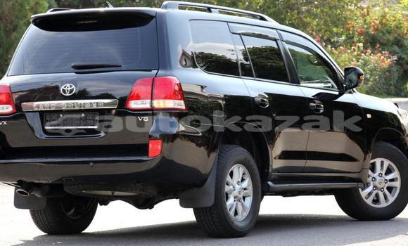 Buy Used Toyota Land Cruiser Black Car in Almaty in Almati