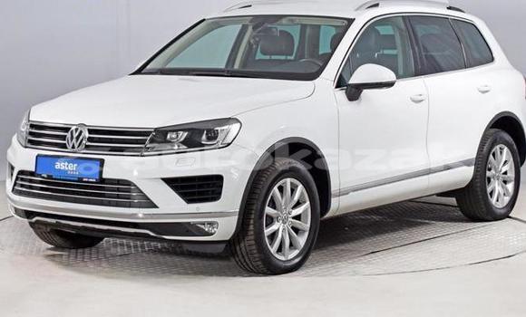Buy Used Volkswagen Touareg White Car in Almaty in Almati